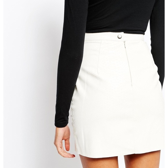 superior performance soft and light most desirable fashion WHITE LEATHER PENCIL SKIRT